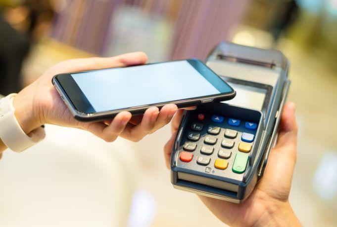 El Banco Central Europeo insta a la banca a crear un servicio de pagos